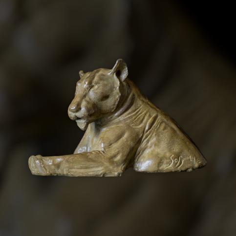 Sculpture, bronze, lionne, bronze animalier, Sophie Gérault, art animalier