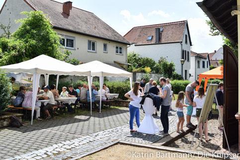 Bei schönem Wetter hat der Bürgerverein Wonnegau zu Kaffee und Kuchen in der Altbachanlage eingeladen.