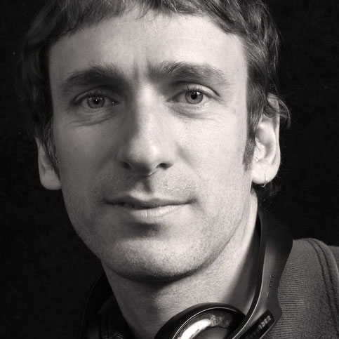 photo of Warwick Porter in studio