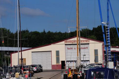 Werftgelände und - hafen von Henningsen und Steckmest