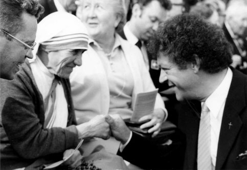 Walter Böcker mit Mutter Theresa 1980