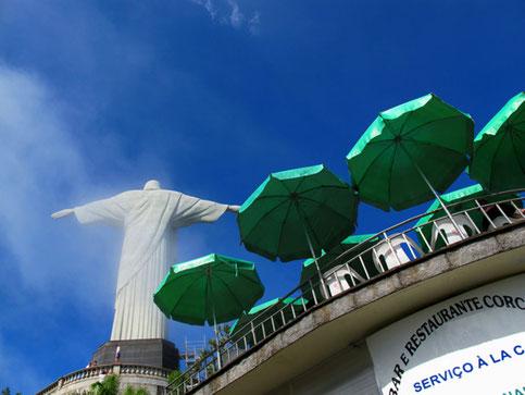 gewaltig diese 30 m hohe Art-deco-Statue in 710 m Höhe