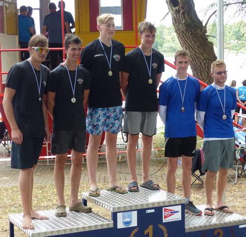 Siegerehrung 2000m Herren Junioren KII (1. Platz USB  Bormann-Brinkmann; 2. Platz KC Charlottenburg Burde-Köppen. 3. Platz SV Chemie Genthin Urban-Hering)