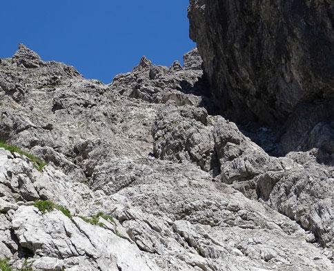der felsige Aufstieg zum Gipfel