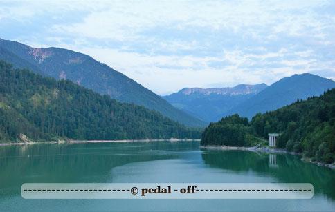 Wasser See Fluss fließend Natur Outdoor Naturfotographie sylvenstein bayern lenggries alpen sonnenuntergang