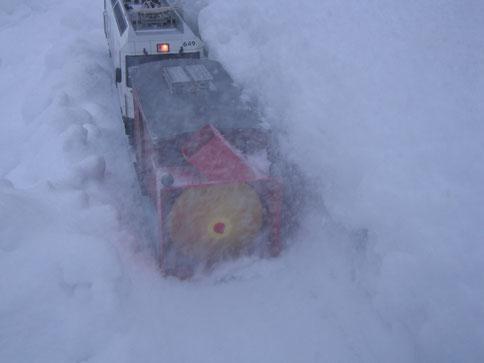 Die Schneeschleuder bei der Arbeit