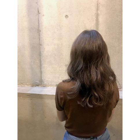 横浜 石川町 美容室 Grantus セミロング レイヤースタイル グレージュカラー 秋冬