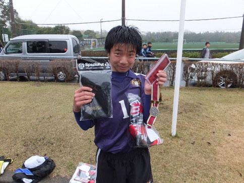 敢闘賞に選ばれたスギ(杉山侑也)! 攻守に渡りチームのダイナモとして、質の高いプレーを終始し続け、チームの核としての存在感を感じさせていました。