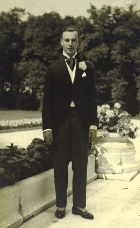 1922. PHILIPPE DE ROTHSCHILD..