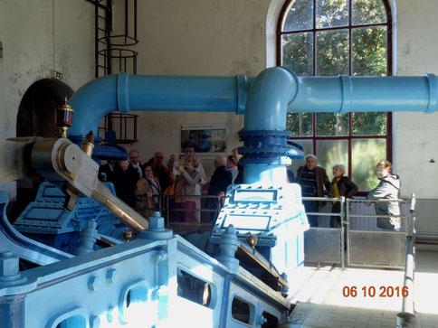 Dans le coeur de l'usine élévatoire - vue sur les dimensions de l'installation