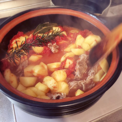 豚肉とリンゴのトマト煮 土鍋 料理 リンゴ 豚スライス 茨城県笠間市 陶芸家 ブログ