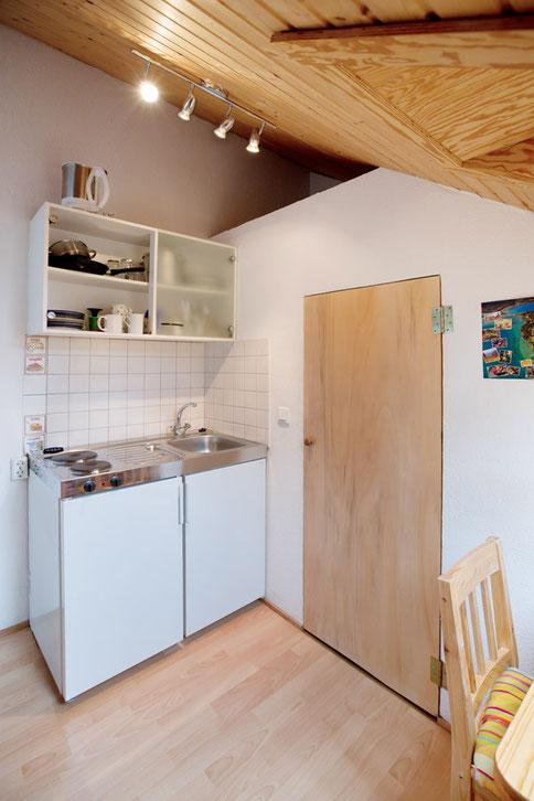 Schwalbennest, Appartement für Radreisende am Bodensee bei Konstanz, Kochnische