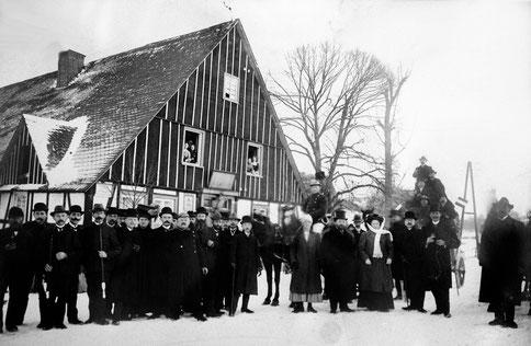 Die letzte Kaiserliche Postkutsche macht 1911 Halt in Isingheim