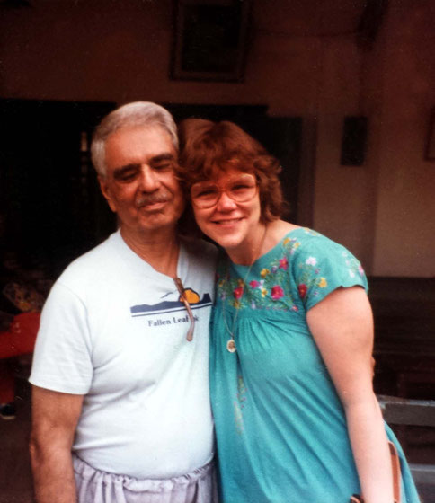 Rachel with Eruch Jessawala in India.