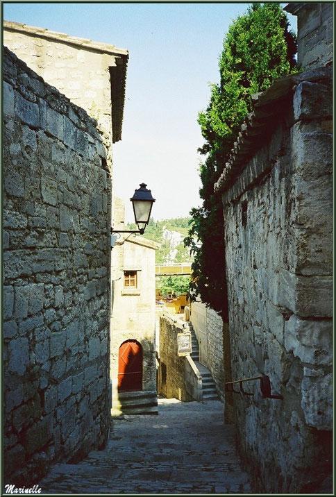 Ruelle en calade, Baux-de-Provence, Alpilles (13)