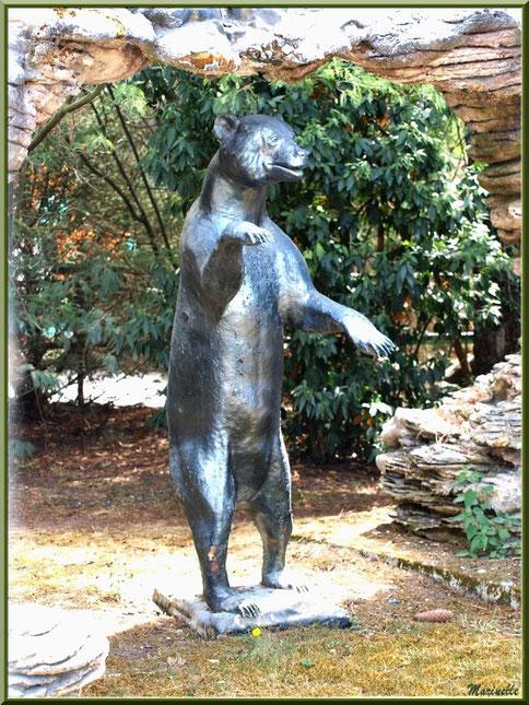 Statue ours, Zoo du Bassin d'Arcachon, La Teste de  Buch (33)