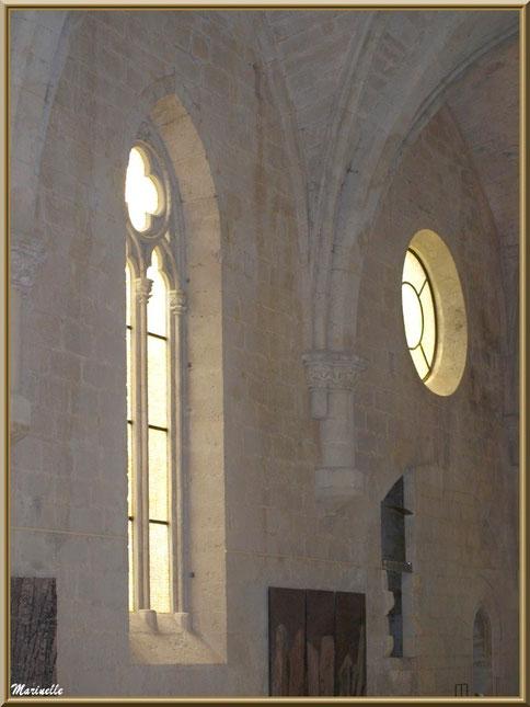 Salle d'exposition dans l'abbaye de Silvacane, Vallée de la Basse Durance (13)