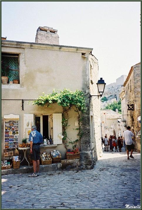Au gré des ruelles : commerces et vieilles pierres, Baux-de-Provence, Alpilles (13)