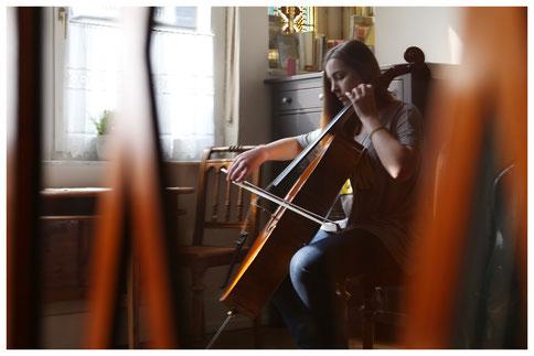Cello Verkauf und Cello Verleih in Bonn Foto Roland Goseberg