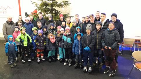 Rodenberger Tischtennisjugend auf dem Eis