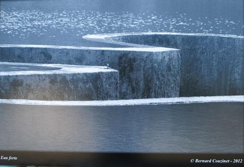 1. Eau fort  photographie  40 x 60 cm.  2012