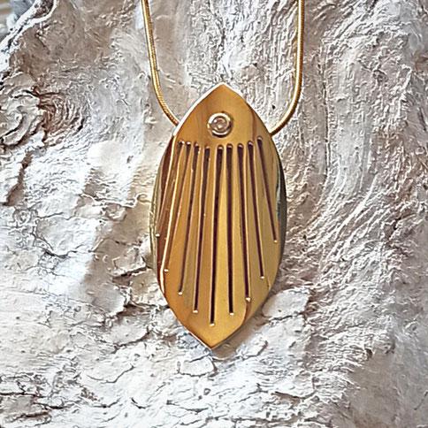 Schmuckanhänger Gold oval mit Diamant