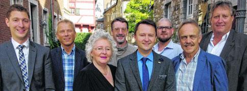 Udo Rüttgers (Mitte) mit Parteichef Jochen Emonds, Axel Wirtz MdL und dem neugewählten Vorstand der Christlich Demokraktischen Arbeitnehmerschaft (CDA)