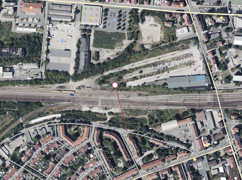 Zwischen Güterbahnhof und der Einmündung der Döllstädt auf der Florian-Geyer-Straße verläuft der Ochsentunnel.