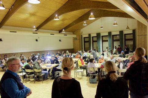 Begegnungsfest mit den Asylsuchenden in Welz am 10.12.2015
