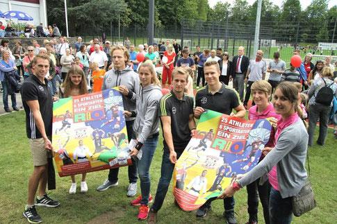 Quelle: TSV Bayer 04 Leverkusen, Sportler v.l.n.r. Karsten Dilla, Konstanze Klosterhalfen, Tobias Scherbarth, Katharina Molitor, Johannes Floors, Markus Rehm, Franziska Liebhardt, Irmgard Bensusan