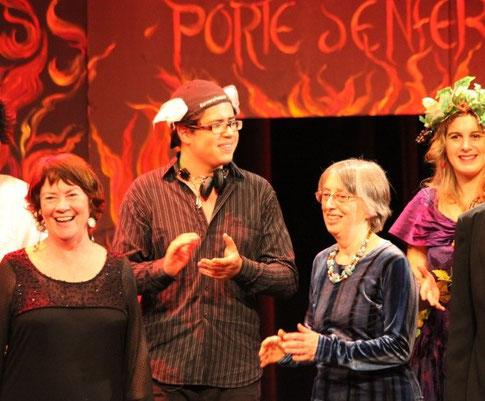 Marie Jahier, pour la mise en scène et Roselyne Du Fou, pour les costumes sont chaleureusement applaudies. (photo L.Dunet)