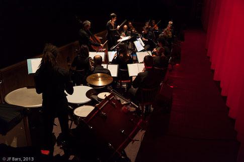 L'orchestre attaque l'ouverture ( photo JF BARS)