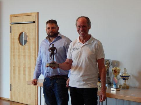 Dominique Zachrau hob die enorme Vielseitigkeit auf hohem Niveau des Athleten Reinhard Rhaue hervor.