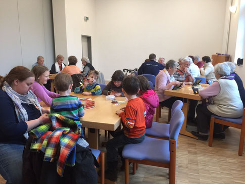 Spielenachmittag der Generationen (Foto: A. Dernbach)