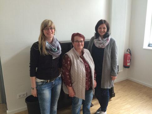 Frau Kühneweg vom ZfD, Frau Klee (Ehrenamtliche) und Frau Krug (Projektleiterin).