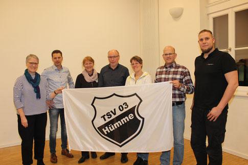 Der aktuelle Vereinsvorstand mit dem scheidenden Vorsitzenden Erhard Huth im Jahr 2020 (Foto: I. Seidenstücker)