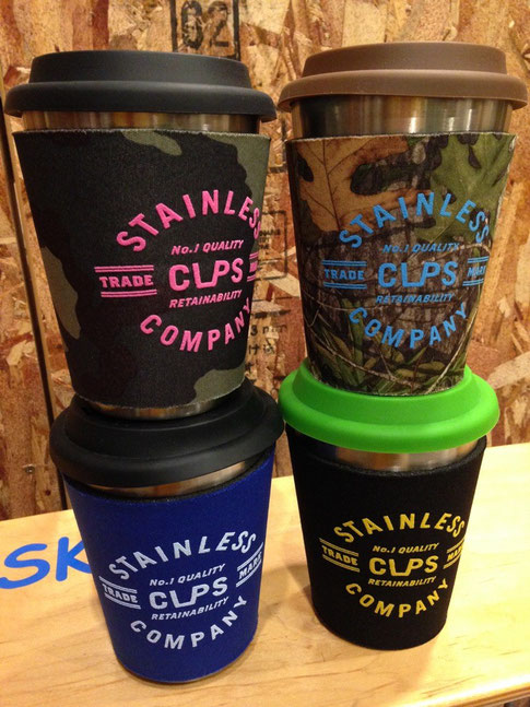CupsCo(カップスコー)Cup With Sleeve(カラー)各¥3,240(税込) (カモ)各¥3,450(税込)