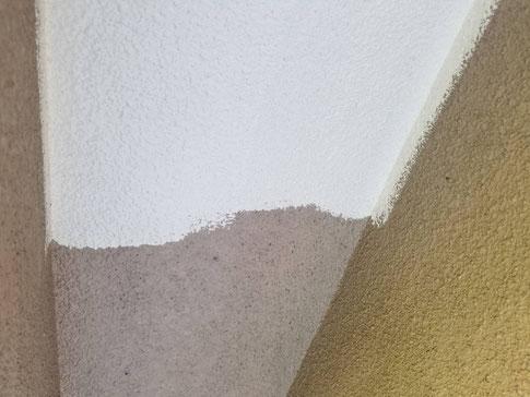 養老町、大垣市、平田町、南濃町、海津町、上石津町、輪之内町で外壁塗装工事中の外壁塗装工事専門店。養老町大巻で外壁塗装工事/軒天の中塗り作業中