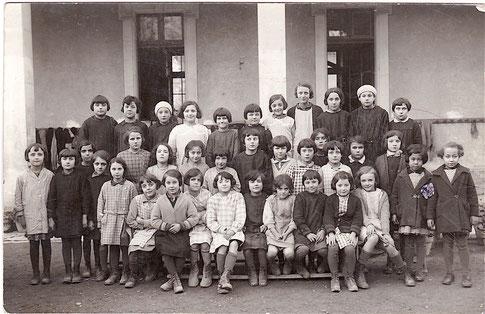Ecole des Filles Le Thor 1933