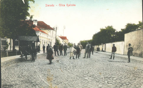 Ulica Kaliska (dziś T. Kościuszki) przed I wojną światową. Po lewej stronie budynek zajazdu z oryginalnym jeszcze frontem