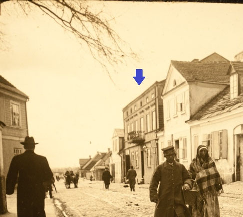 Kamienica wybudowana przy ulicy Kolegiackiej przez Ernesta Neubartha, zachowana do dziś. Źródło: kaliszczasemmalowany.pl