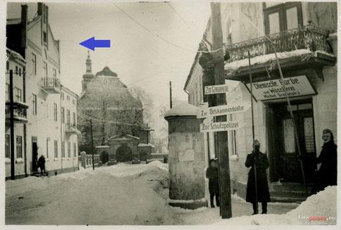 Kamienica przy ul. Dominikańskiej 18 na zdjęciu z lat '40. Źródło: fotopolska.eu
