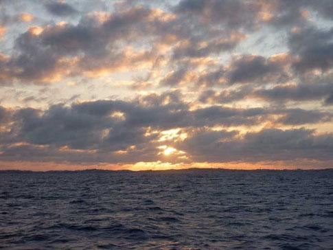 arrivée aux Bermudes au soleil couchant