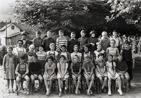 Die 3./4. Klasse im Jahr 1961 (Lehrerin: Marlis Müller-Weiss)