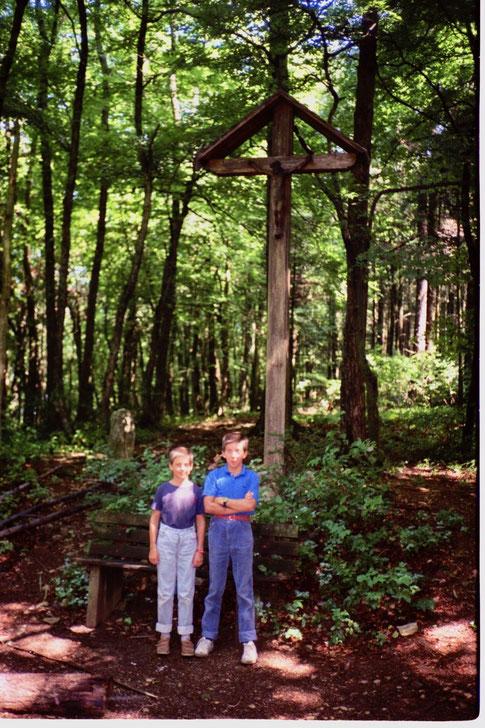 Das gleiche Kreuz rund 60 Jahre später (Foto: Beat Walde; 1988)