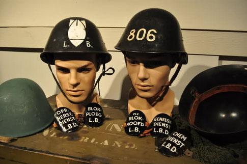 Helmen van de Luchtebschermingsdienst © Oorlogsleven