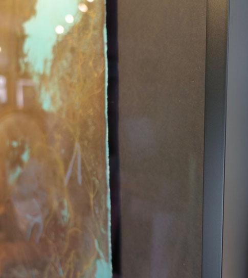 Einrahmungsservice Bern. Grafik schwebend auf schwarzem Karton aufgelegt. Alurahmen / Artglass