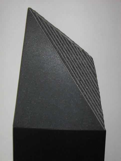 30. Graniet 55x45x15