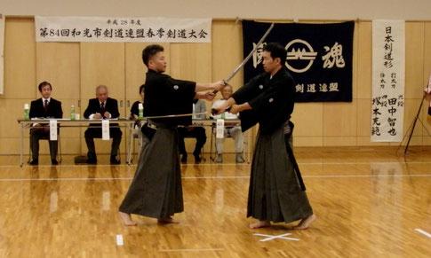 田中先生、塚本先生による日本剣道形