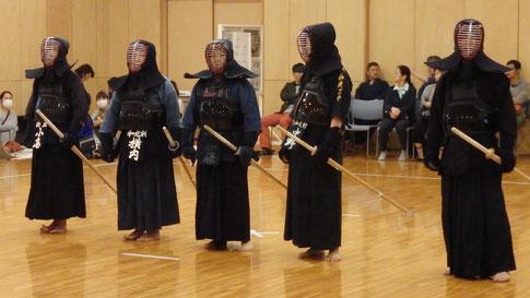 お母さん・お父さん剣士(親子試合)